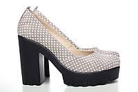 Бежевые туфли из натурального велюра в белый горошек 818-13gor