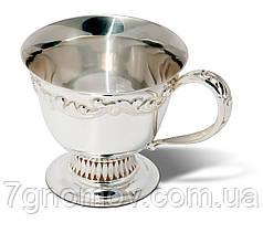 Чашка серебряная чайная с фигурным декором