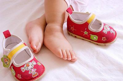 Первая обувь для девочек.