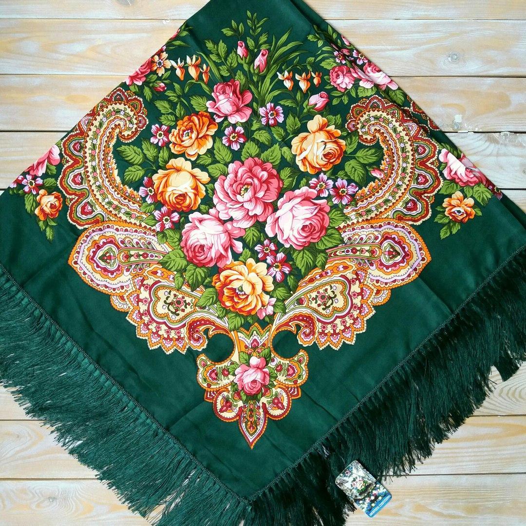 Красивый платок для девушек (135х135см, зелёный, 80%-шерсть)