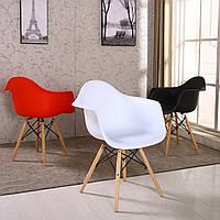 Крісло з підлокітниками АС-018W Eames на дерев'яних ніжках, фото 1