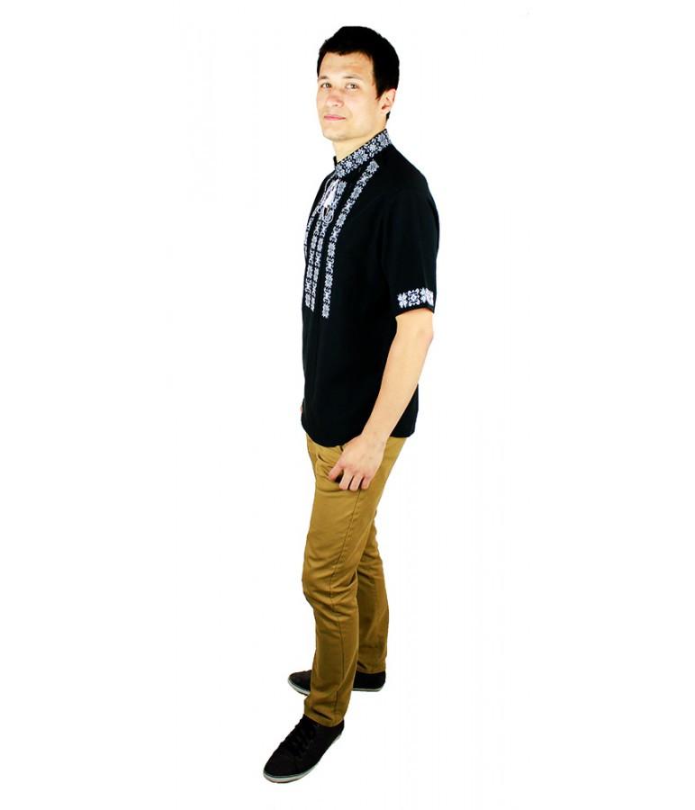 Вишиті сорочки. Чорна вишита футболка. Чоловіча вишиванка. Сорочки чоловічі. aaa4cc6316ba2