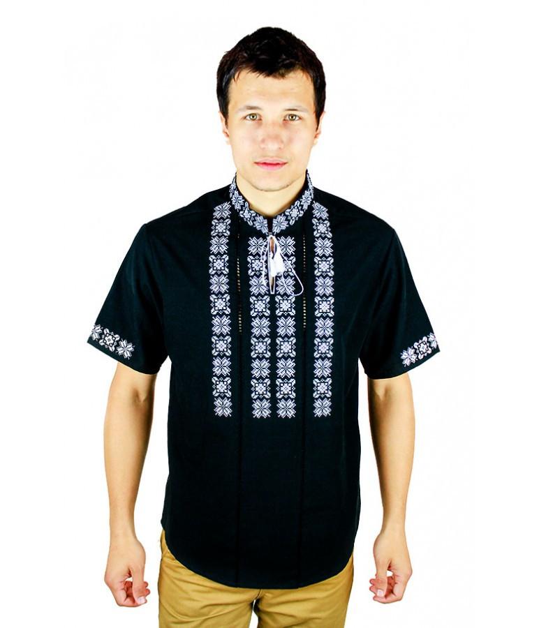 Вишиті сорочки. Чорна вишита футболка. Чоловіча вишиванка. Сорочки чоловічі.
