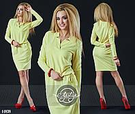 Стильное платье с регулируемой талией и оригинальной отделкой выреза