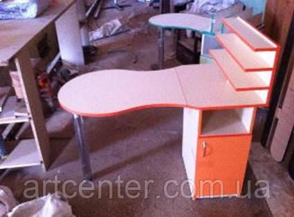 Маникюрный стол  с полочками для лаков
