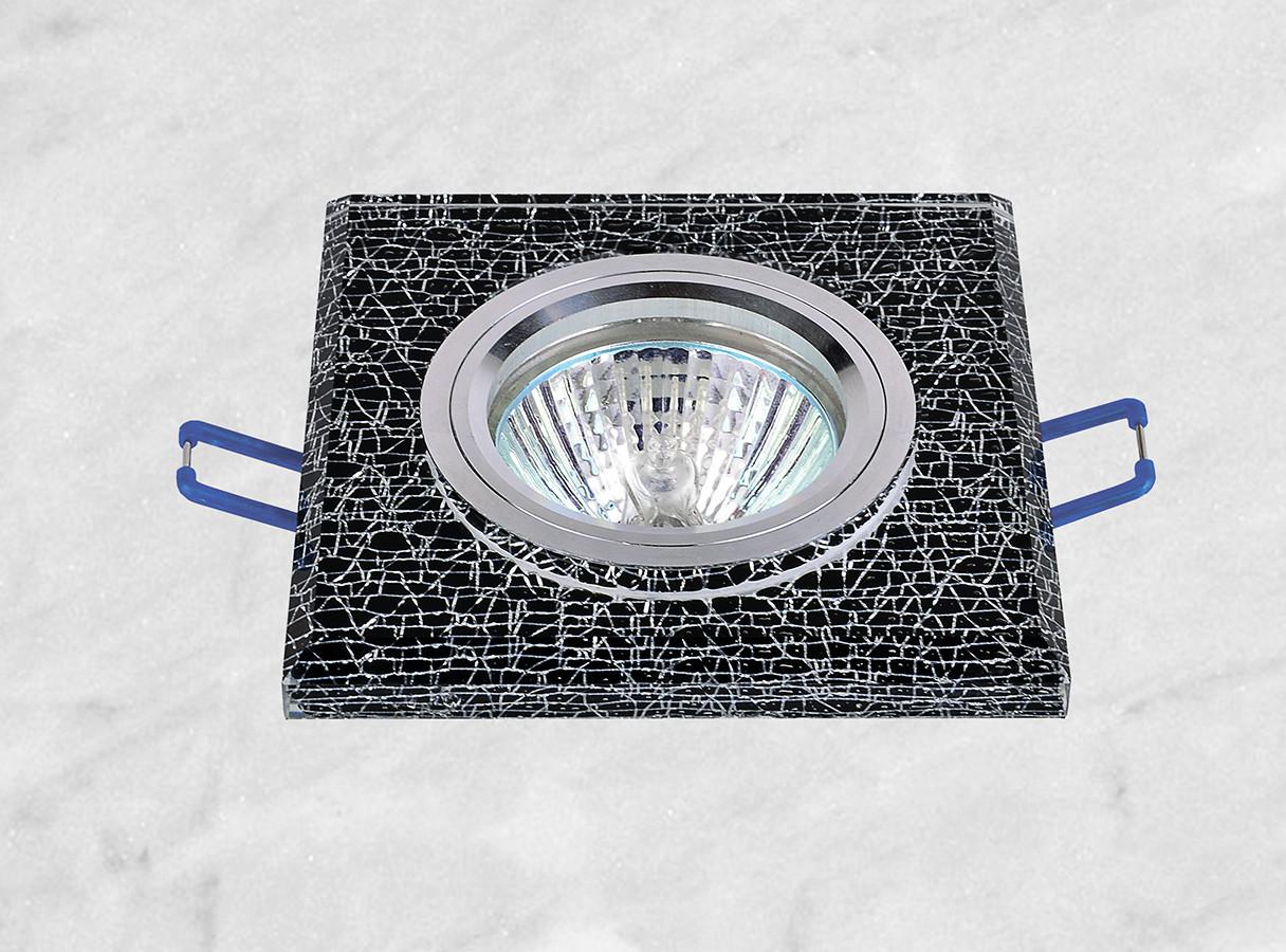 Точечный врезной светильник (05-658)
