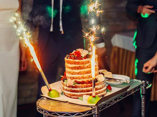 фейерверк на торт