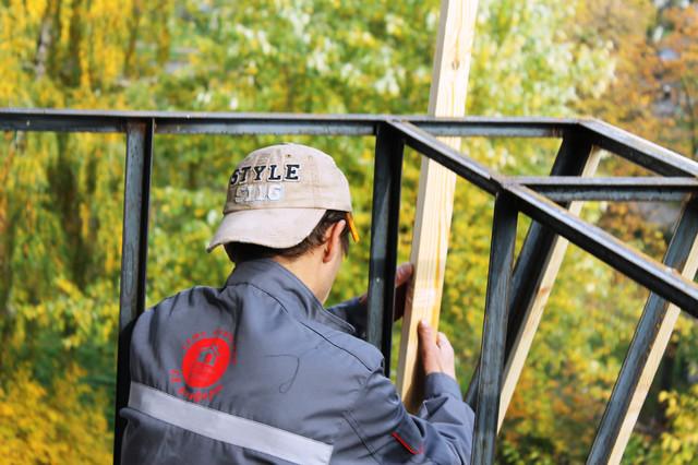 Чем отличается балкон с выносом от балкона без выноса?