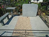 Одиночный надгробный памятник из гранита (комплект на одного: стела, подставка, цветник)  Светло-серый