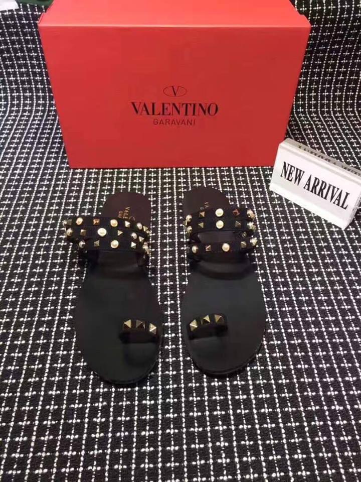 Шлепанцы Valentino