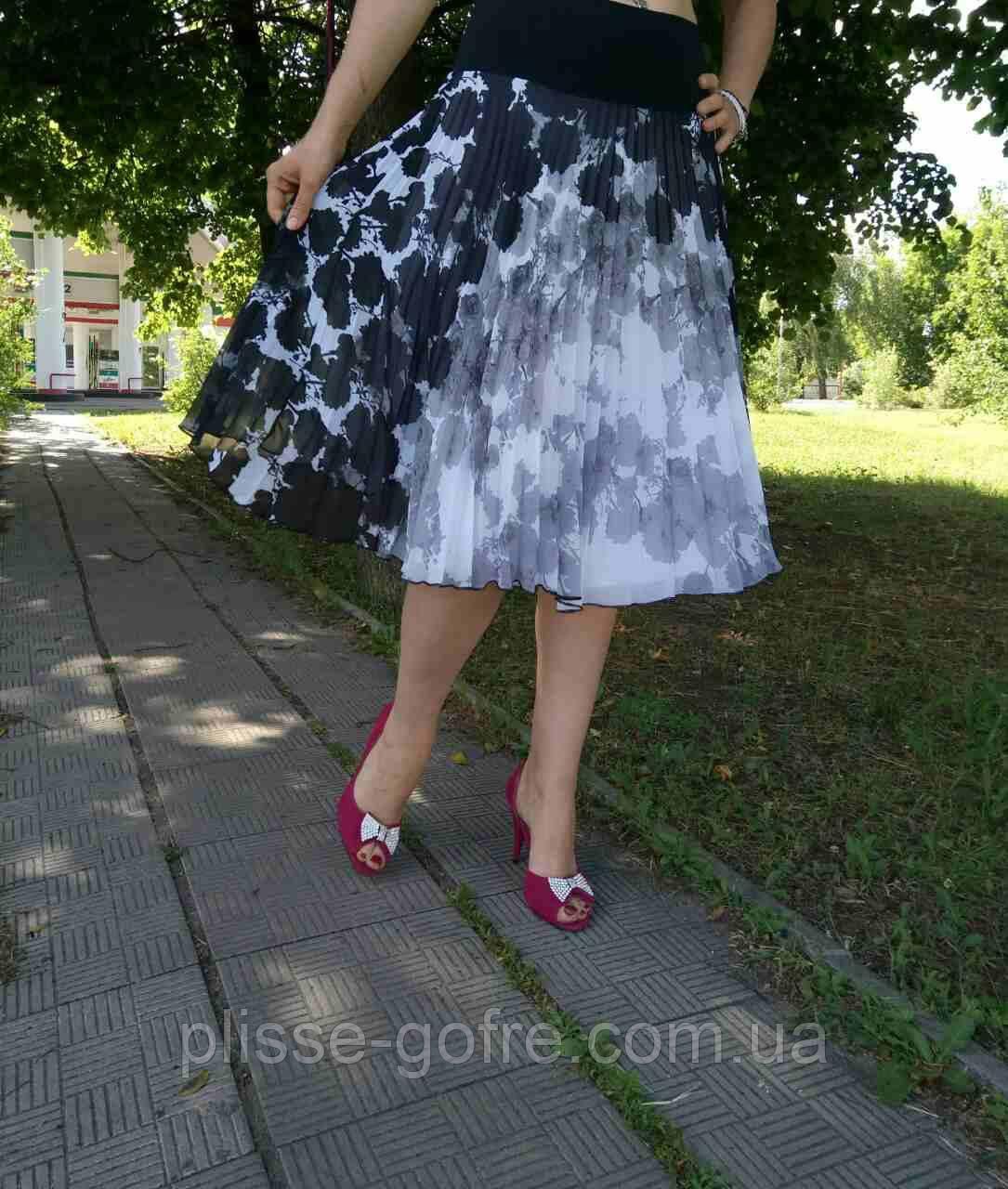 Черно-белые юбки плиссе