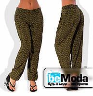 Комфортные женские летние брюки в мелкий узор коричневые