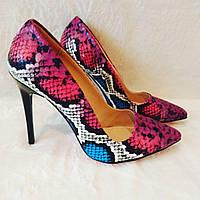 Туфли рептилия розовые