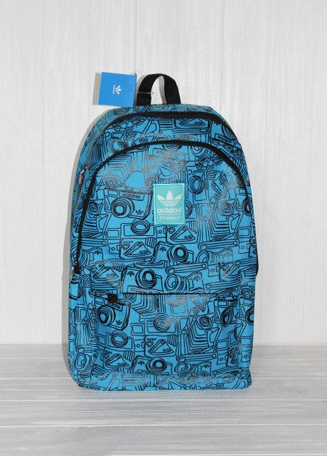 Красивый практичный рюкзак с модным принтом