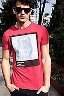 Мужская футболка De Facto красного цвета с рисунком на груди