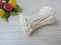Тайские тычинки белые, каплевидные на белой нитке, фото 1