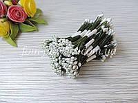 Тайские тычинки белые , каплевидные на зеленой нитке, фото 1