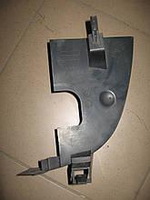 Дефлектор радиатора 8200190728 правый б/у на Renault Master, Opel Movano, Nissan Interstar  1998-2010 год