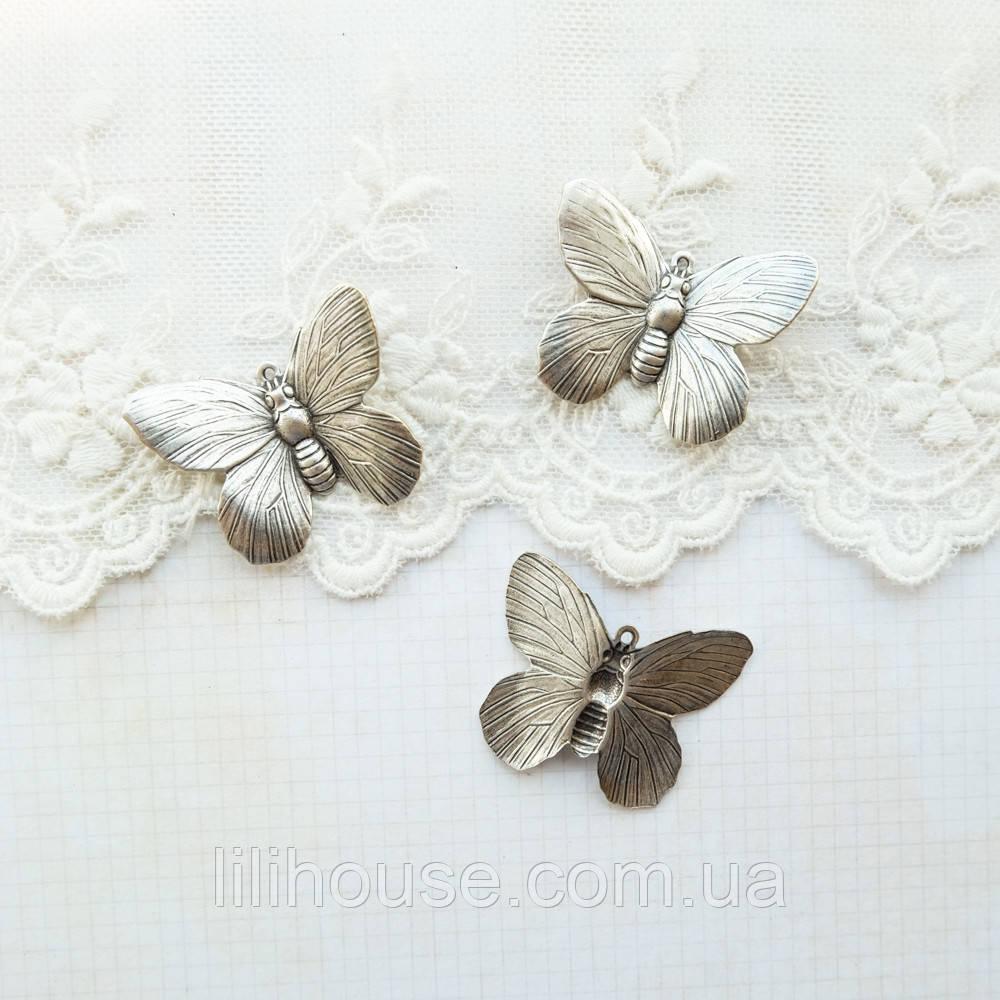 "Латунный штамп ""Бабочка"" посеребренный, 30*24 мм"