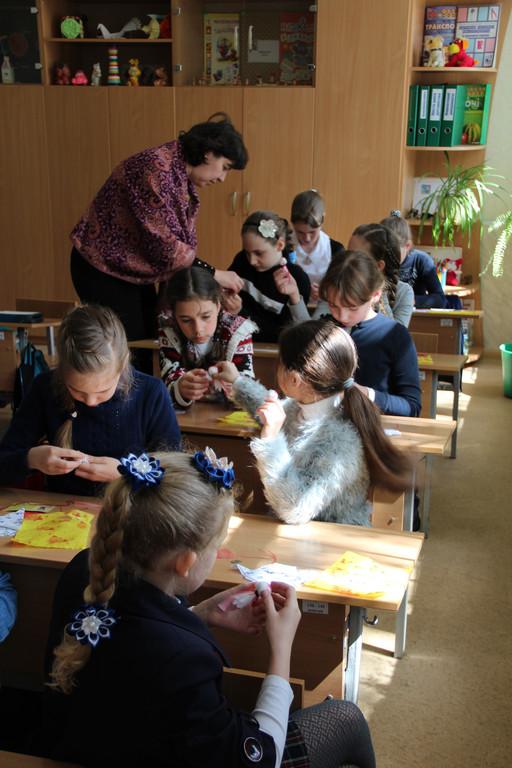 Выездной мастер-класс по кукле-мотанке в школе.