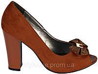 Туфли женские. Замшевые. Цвет красного дерева