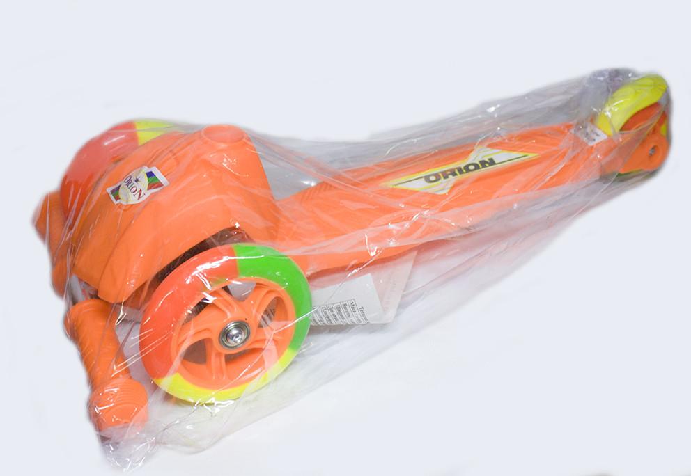 Самокат малый трехколесный 164 в.2 ТМ ОРИОН Оранжевый с цветными светящимися колесами