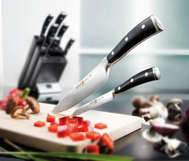 Кухонные ножи и принадлежности