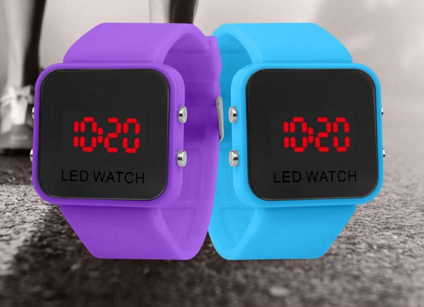 Часы браслет E4 на силиконовом ремешке