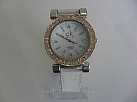 Женские часы quartz  белые c золотом (Арт. 1539)