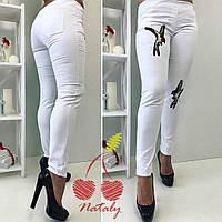 Женские летние батальные джинсы с вышикой