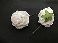 Роза на ножке молочная  5 см