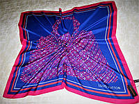 Платок Louis Vuitton шёлковый  можно приобрести на выставках в доме торговли Киев