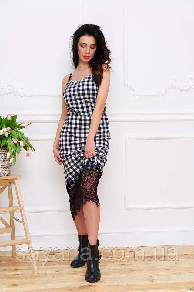 Женское стильное платье-макси с кружевом