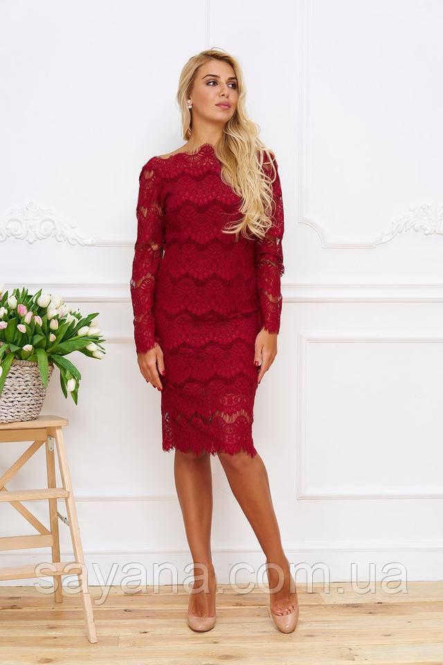 Очень красивое платье с открытой спиной