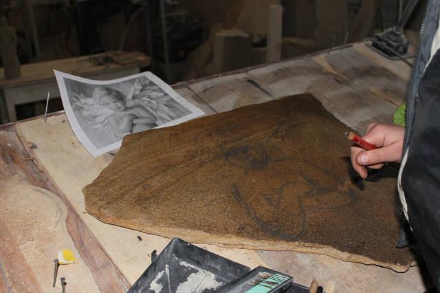 А вот пример пошагового рисования картины на камне одним из наших мастеров Шаг №1