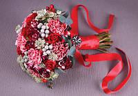 Свадебный букет в красно-серых тонах.
