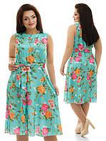 Летнее легкое платье в цветочный принт.