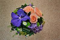 Свадебный букет с вандой и розами