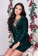 Бархатное платье со шнуровкой зеленое