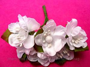 Цвіт яблуні з тканини уп. 72 шт. Білий