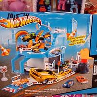 Детский гараж Хот Вилс