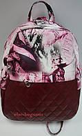 Молодежный рюкзак с цветным принтом розовый с бордо