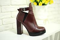 Ботинки цвета марсала на высоком устойчивом каблуке из натуральной кожи
