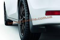 Брызговики оригинал для Toyota Corolla 2013 передние