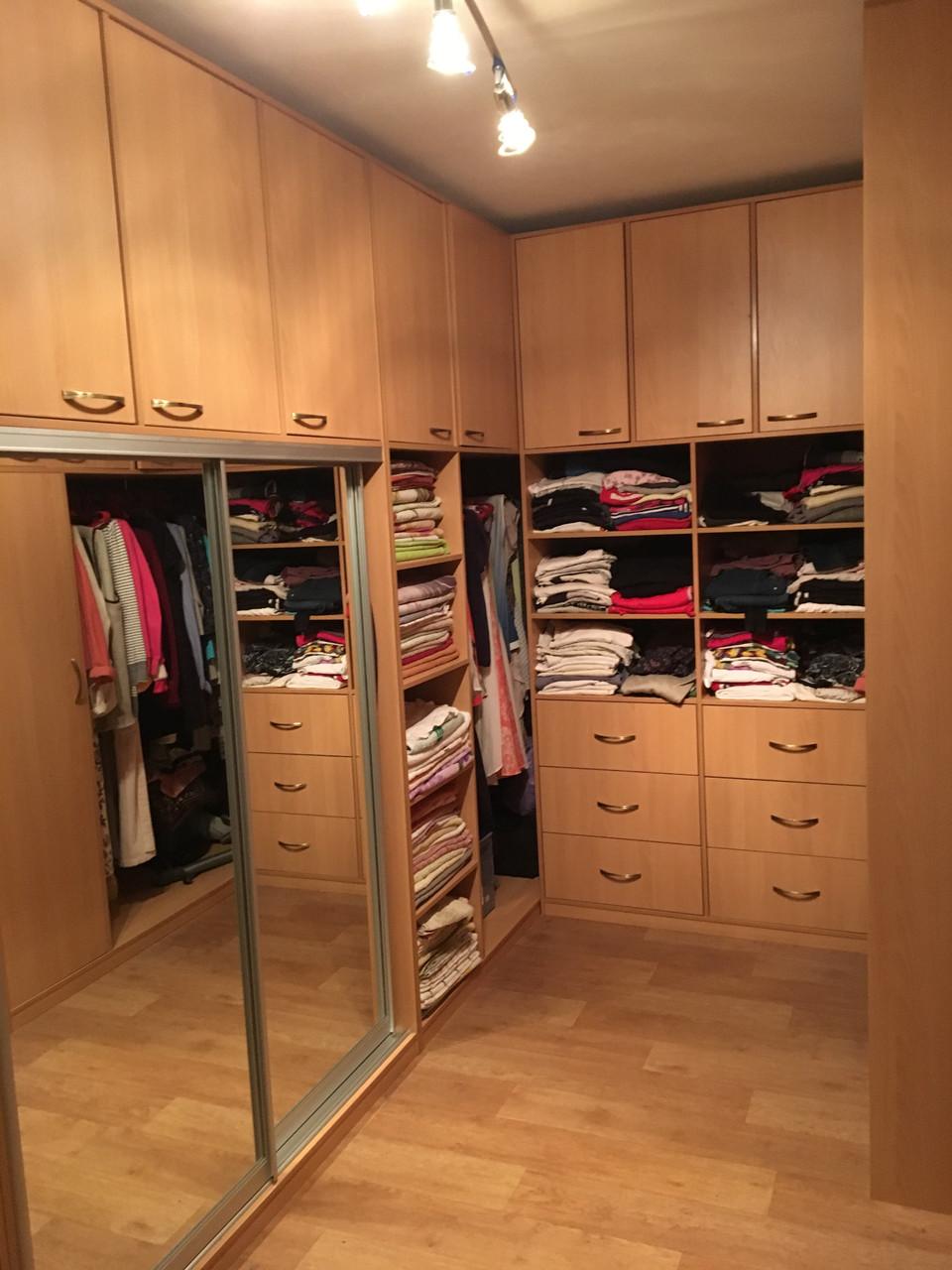 Мебель в гардеробную комнату