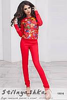 Модный повседневный костюм с цветами красный