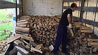 Дрова дубовые плотно уложеные