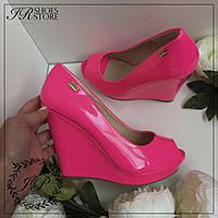 Яркие туфли на платформе,размер 38,40,41