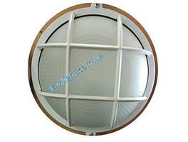 Круглый светильник ЖКХ с матовым стеклянным рассеивателем и решеткой