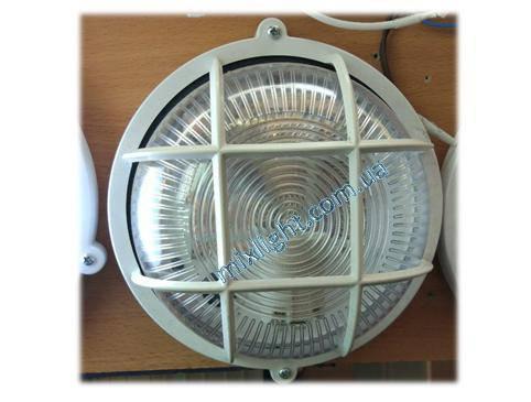 Светильник ЖКХ круглый с прозрачным пластиковым рассеивателем и решеткой, фото 2
